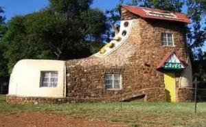 semestafakta-Shoe-House-of-Mpumalanga