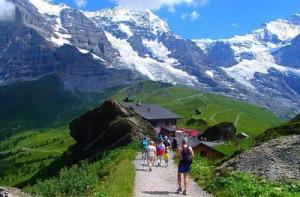 semestafakta-swiss hiking trails