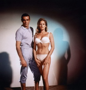 James Bond against Dr. No for TerenceYoung with Ursula Andress, Sean Connery (James Bond 007) 1962