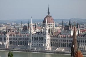 semestafakta-budapest parliement building