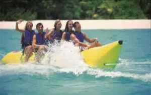 semestafakta-bannana boat ride