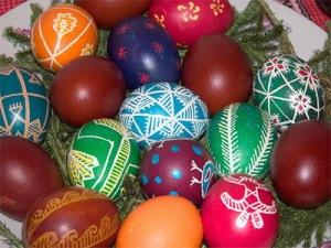 semestafakta-painted eggs