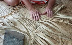 semestafakta-weaving pandanus