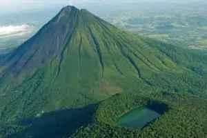 semestafakta-Arenal Volcano