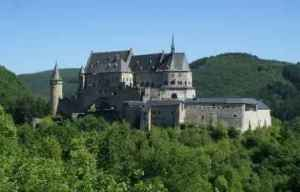 semestafakta-Larochette castle